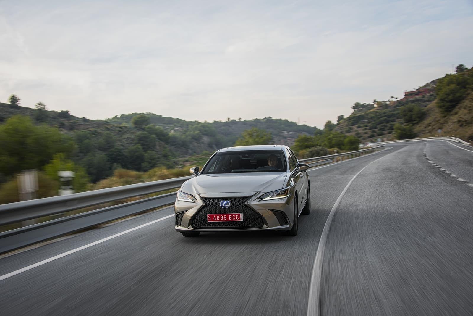 Lexus Es 300h 0319 031