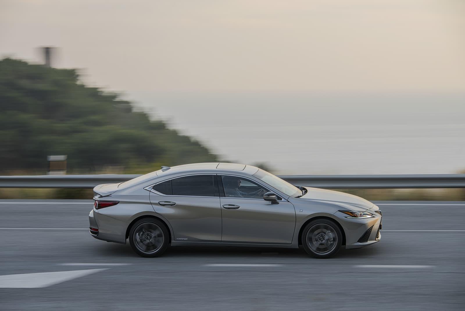 Lexus Es 300h 0319 032