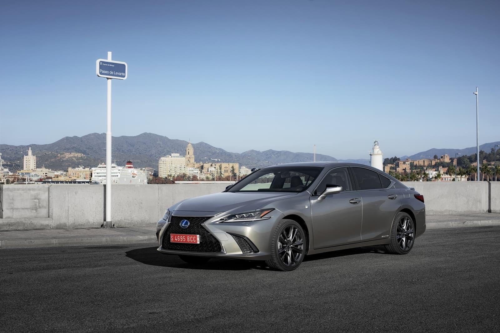 Lexus Es 300h 0319 037