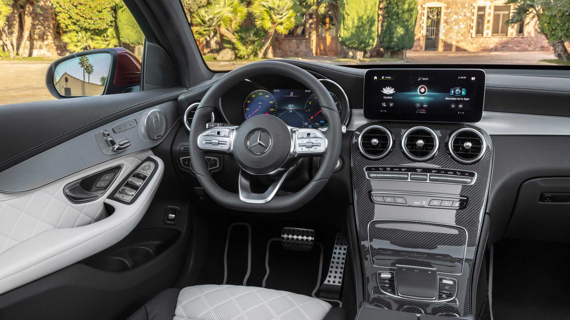 Mercedes Glc Coupe 2019 Interior 01