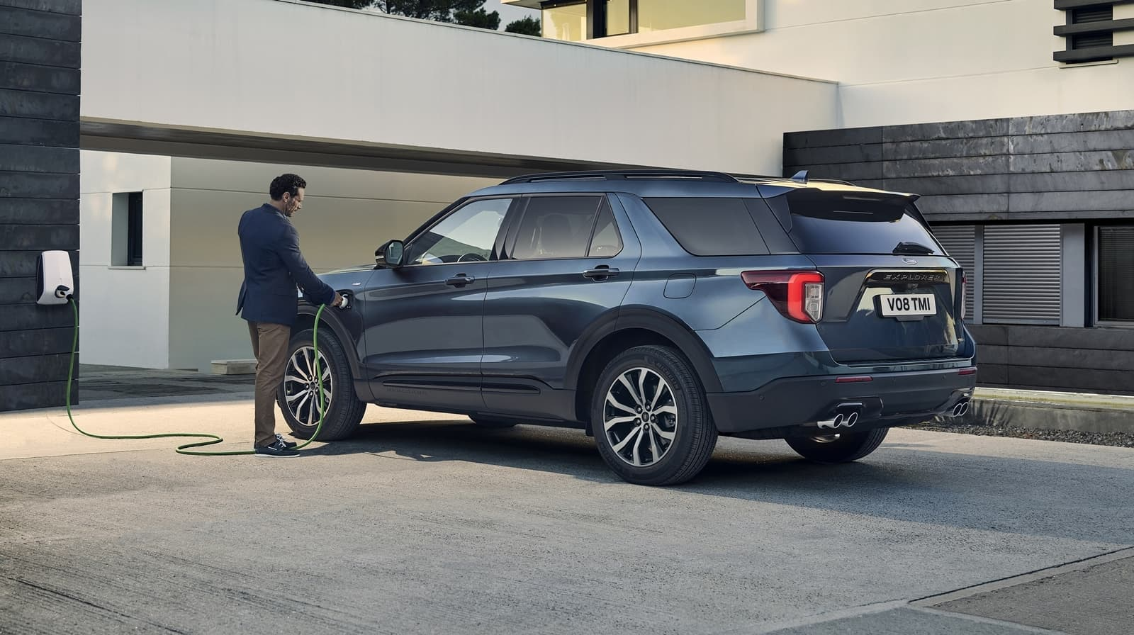 ford explorer phev 2020 2019 plug in hybrid AWD