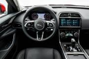 Jaguar Xe 2020 0419 032 thumbnail