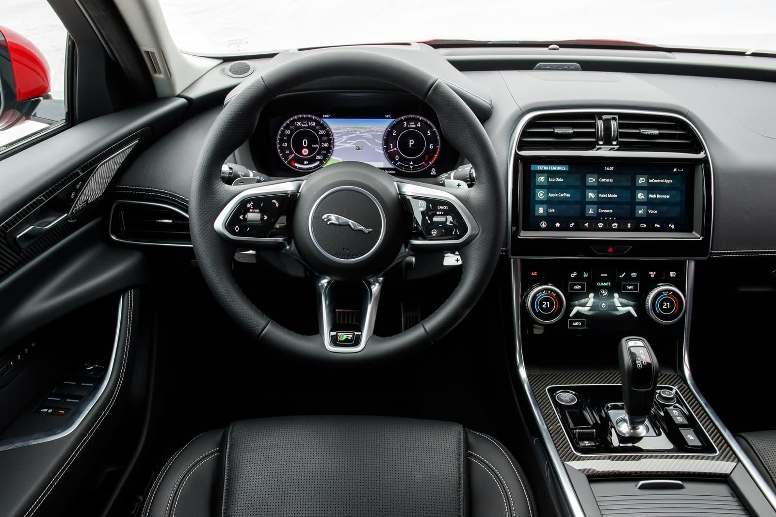 Jaguar Xe 2020 0419 032
