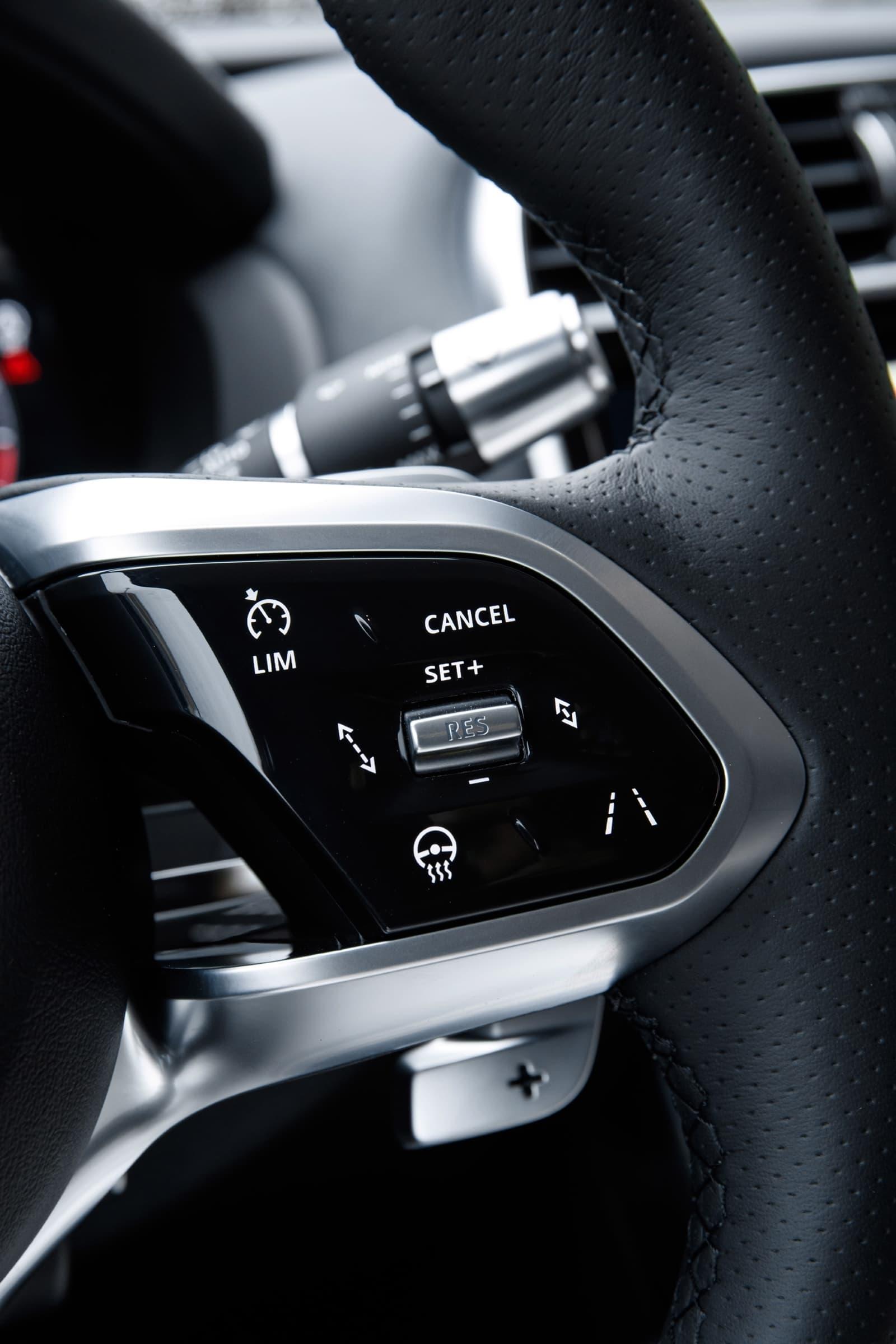 Jaguar Xe 2020 0419 036