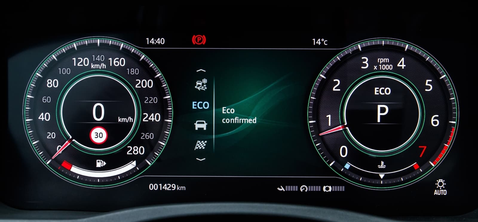 Jaguar Xe 2020 0419 053