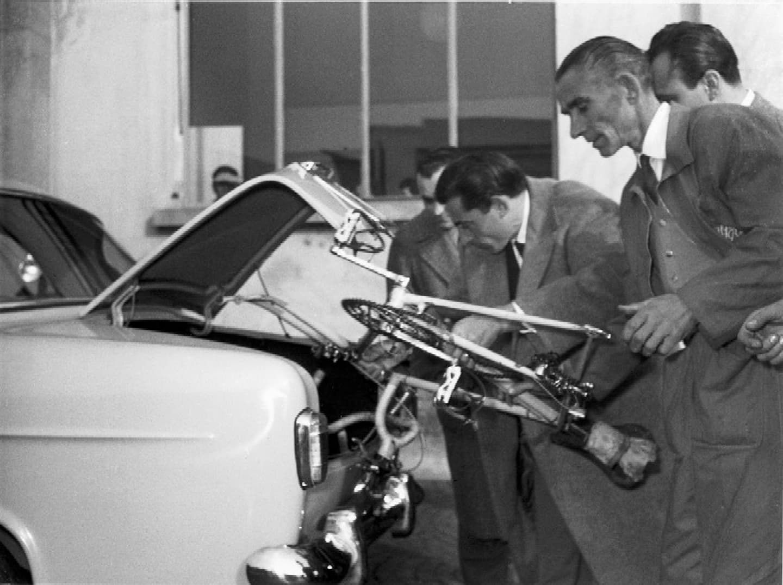 Fausto Coppi y su Giulietta Berlina, 1955