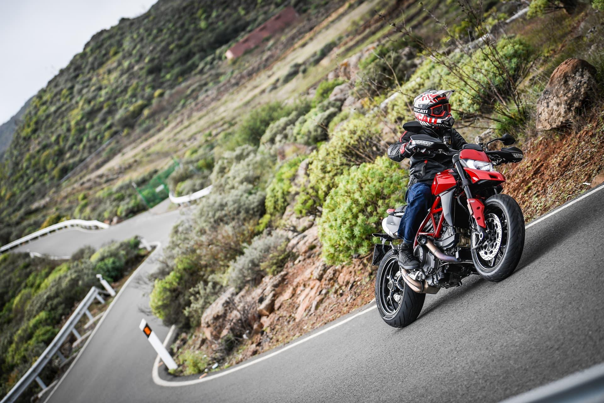 Ducati Hypermotard 950 Action 08 Uc70349 Mid