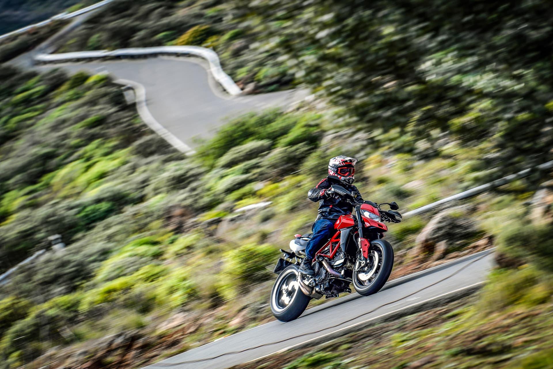 Ducati Hypermotard 950 Action 09 Uc70353 Mid