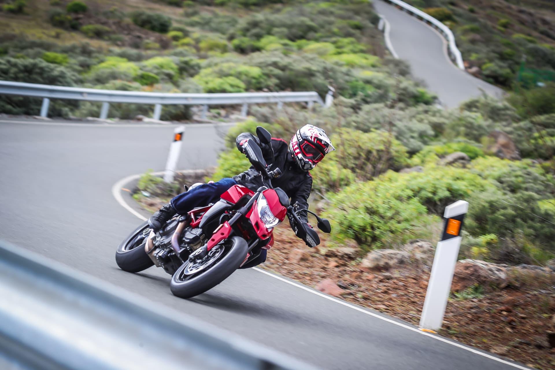 Ducati Hypermotard 950 Action 15 Uc70356 Mid