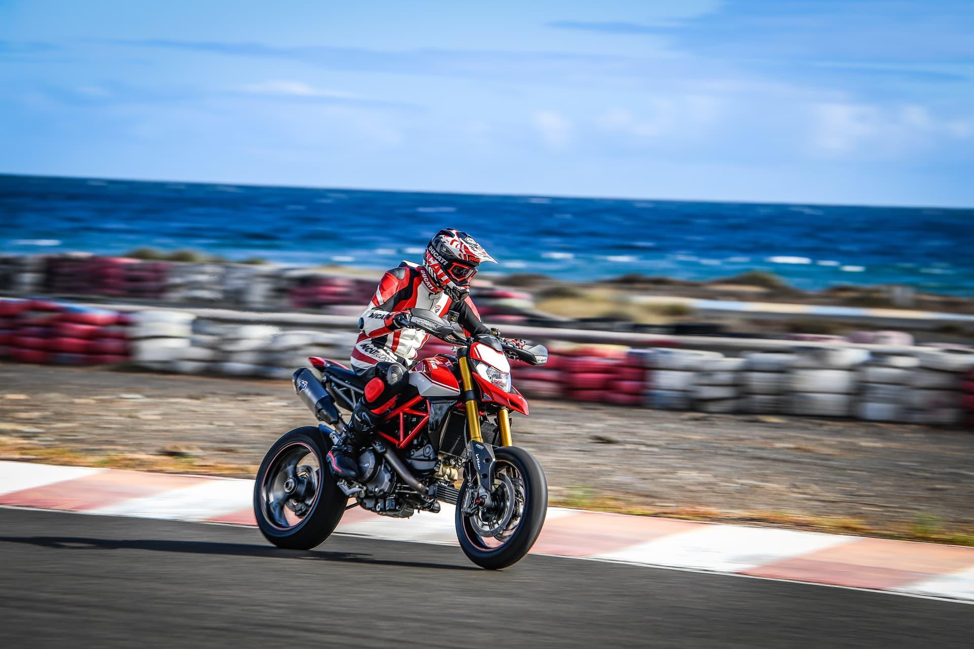 Ducati Hypermotard 950 Sp Performance 00 Uc70344 Mid