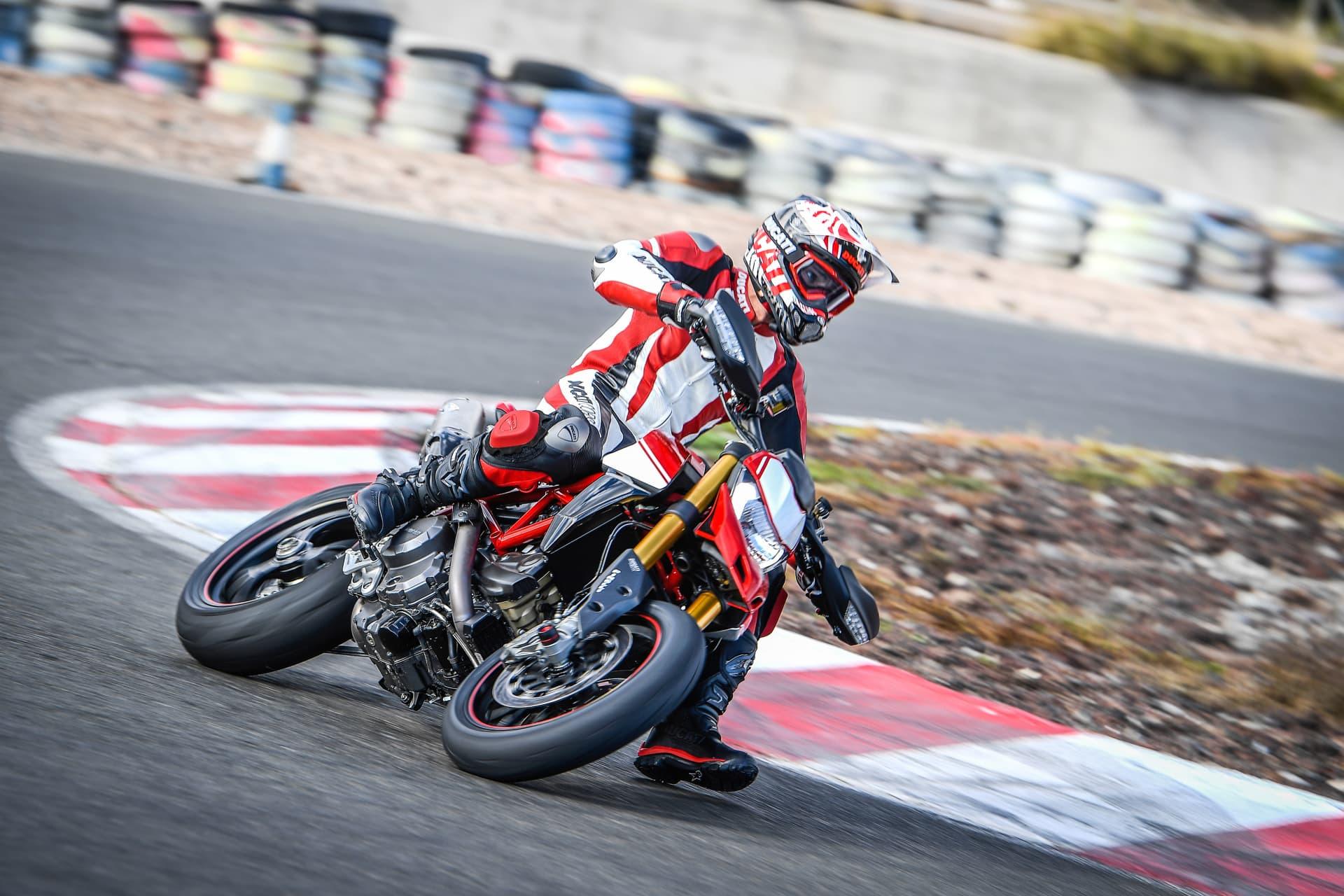 Ducati Hypermotard 950 Sp Performance 02 Uc70333 Mid