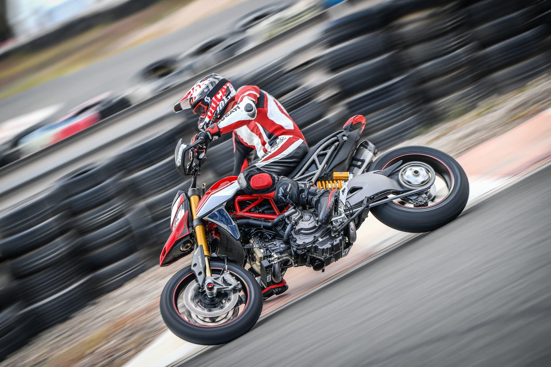 Ducati Hypermotard 950 Sp Performance 03 Uc70334 Mid