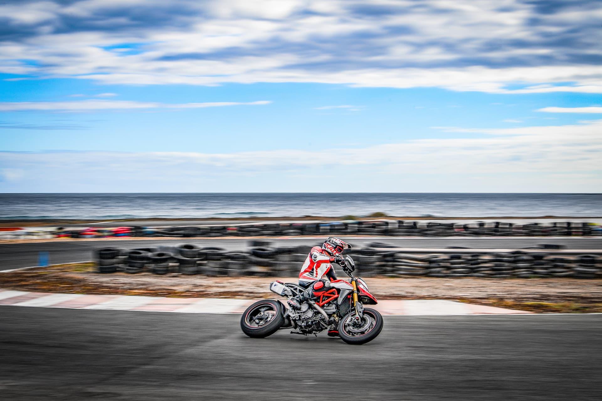 Ducati Hypermotard 950 Sp Performance 06 Uc70338 Mid