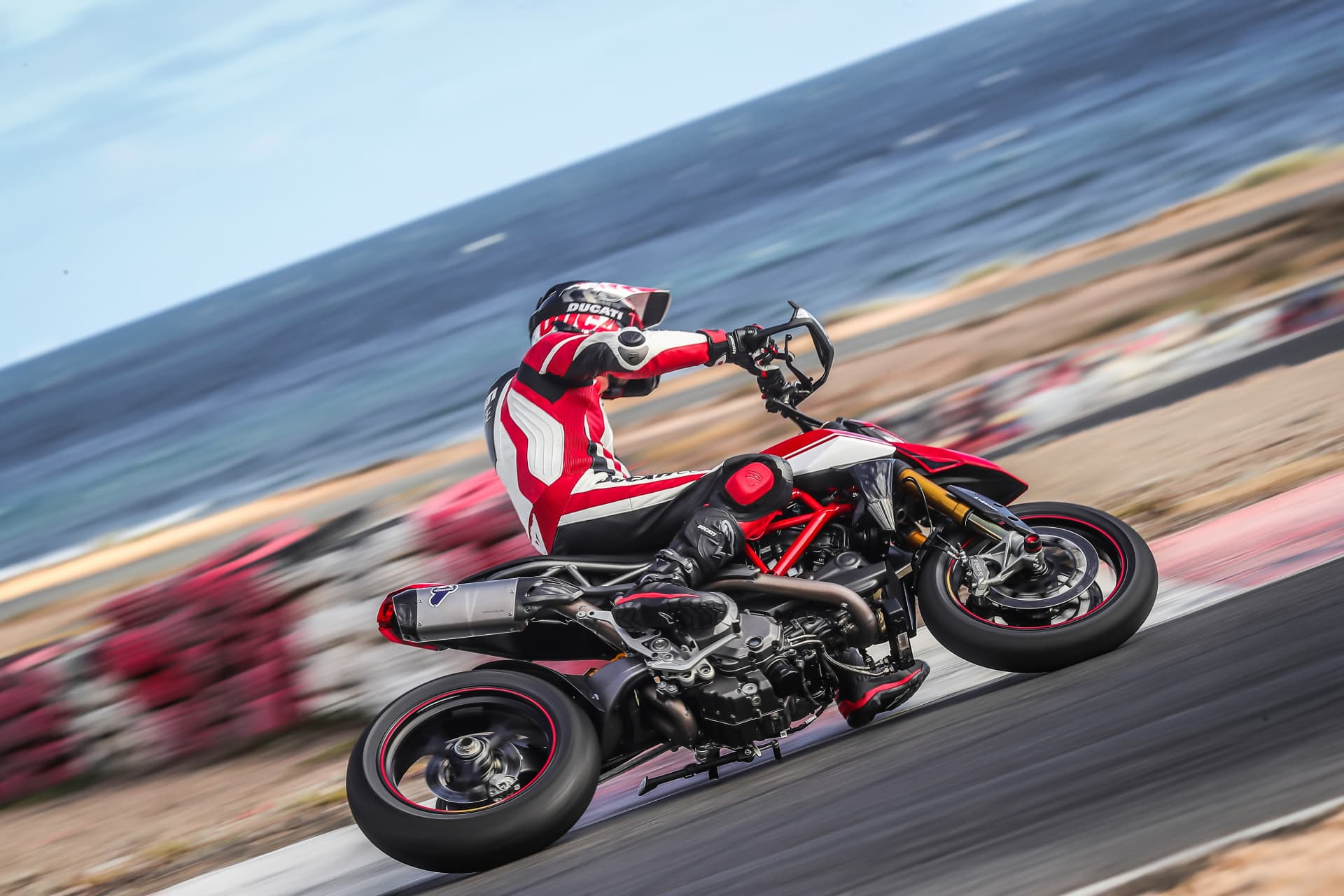 Ducati Hypermotard 950 Sp Performance 09 Uc70337 Mid