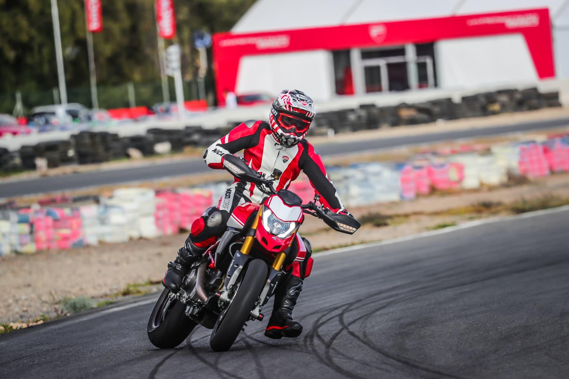 Ducati Hypermotard 950 Sp Performance 11 Uc70340 Mid