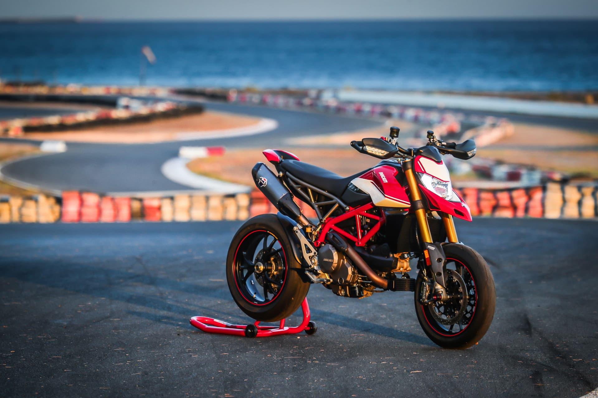 Ducati Hypermotard 950 Sp Static 05 Uc70305 Mid