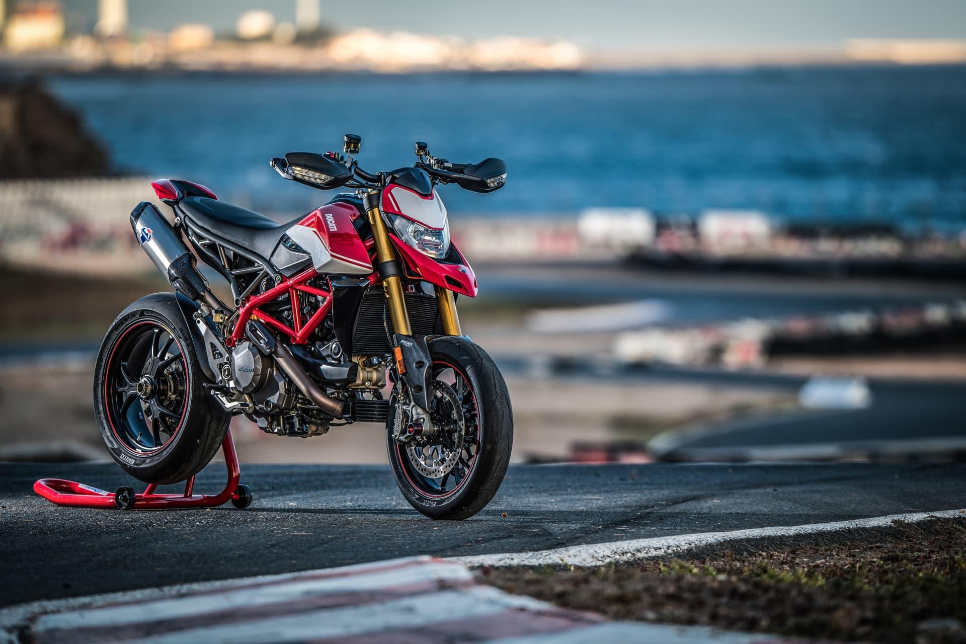 Ducati Hypermotard 950 Sp Static 07 Uc70307 Mid