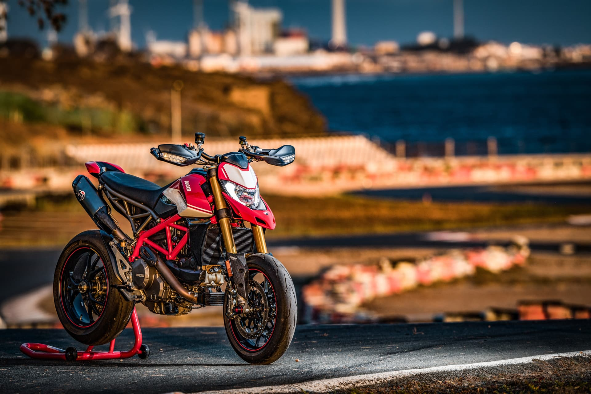 Ducati Hypermotard 950 Sp Static 08 Uc70309 Mid