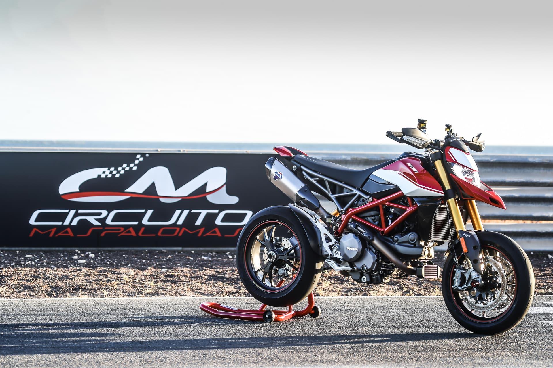 Ducati Hypermotard 950 Sp Static 14 Uc70314 Mid