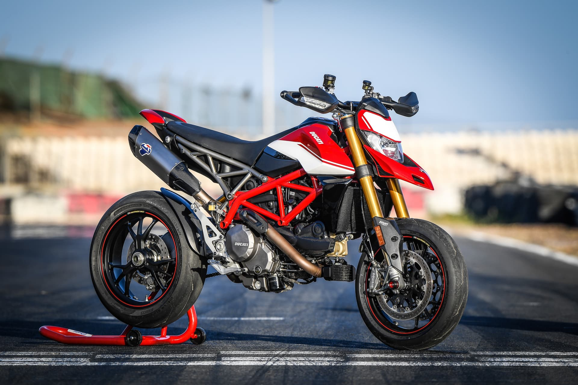 Ducati Hypermotard 950 Sp Static 18 Uc70318 Mid
