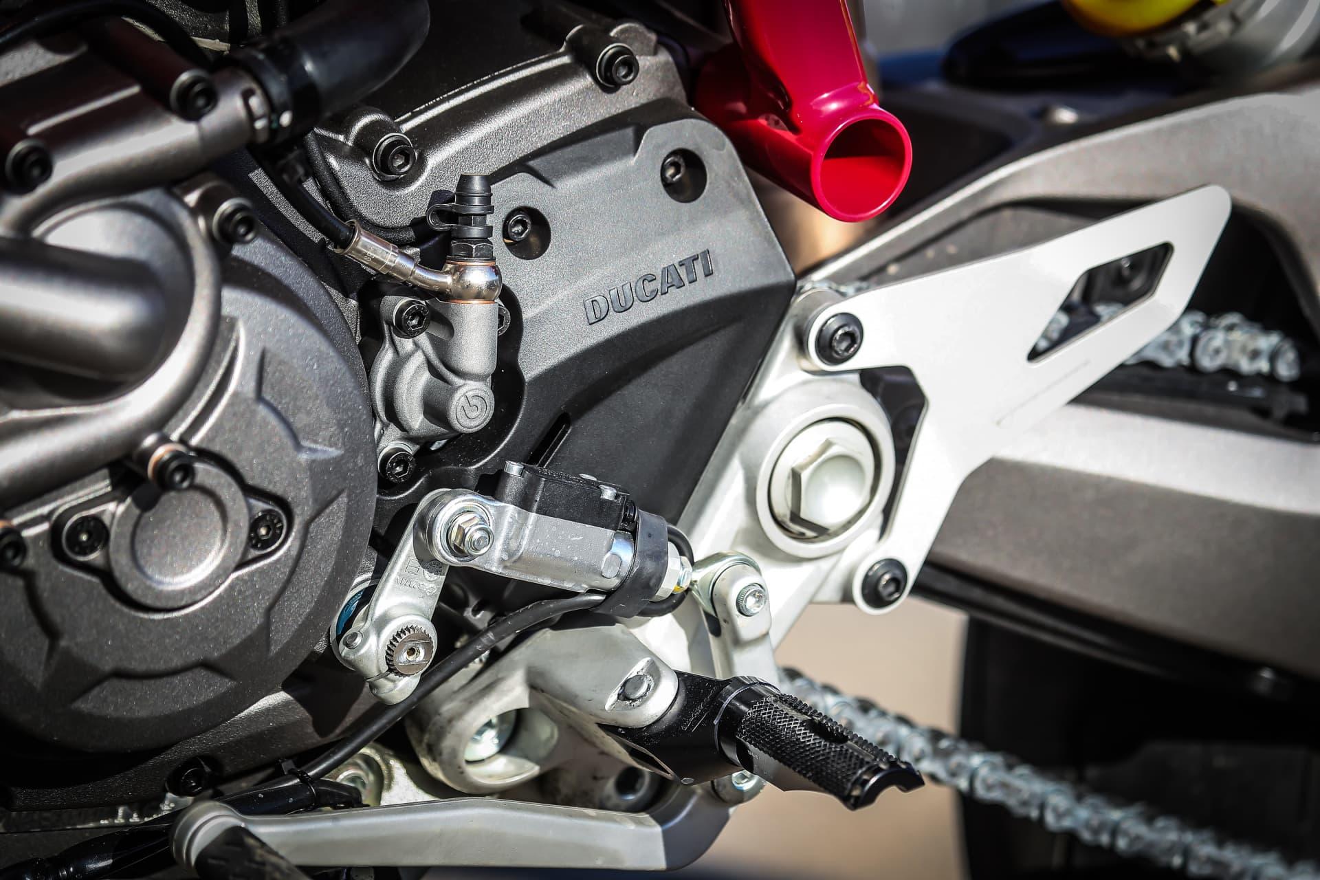 Ducati Hypermotard 950 Sp Static 28 Uc70327 Mid