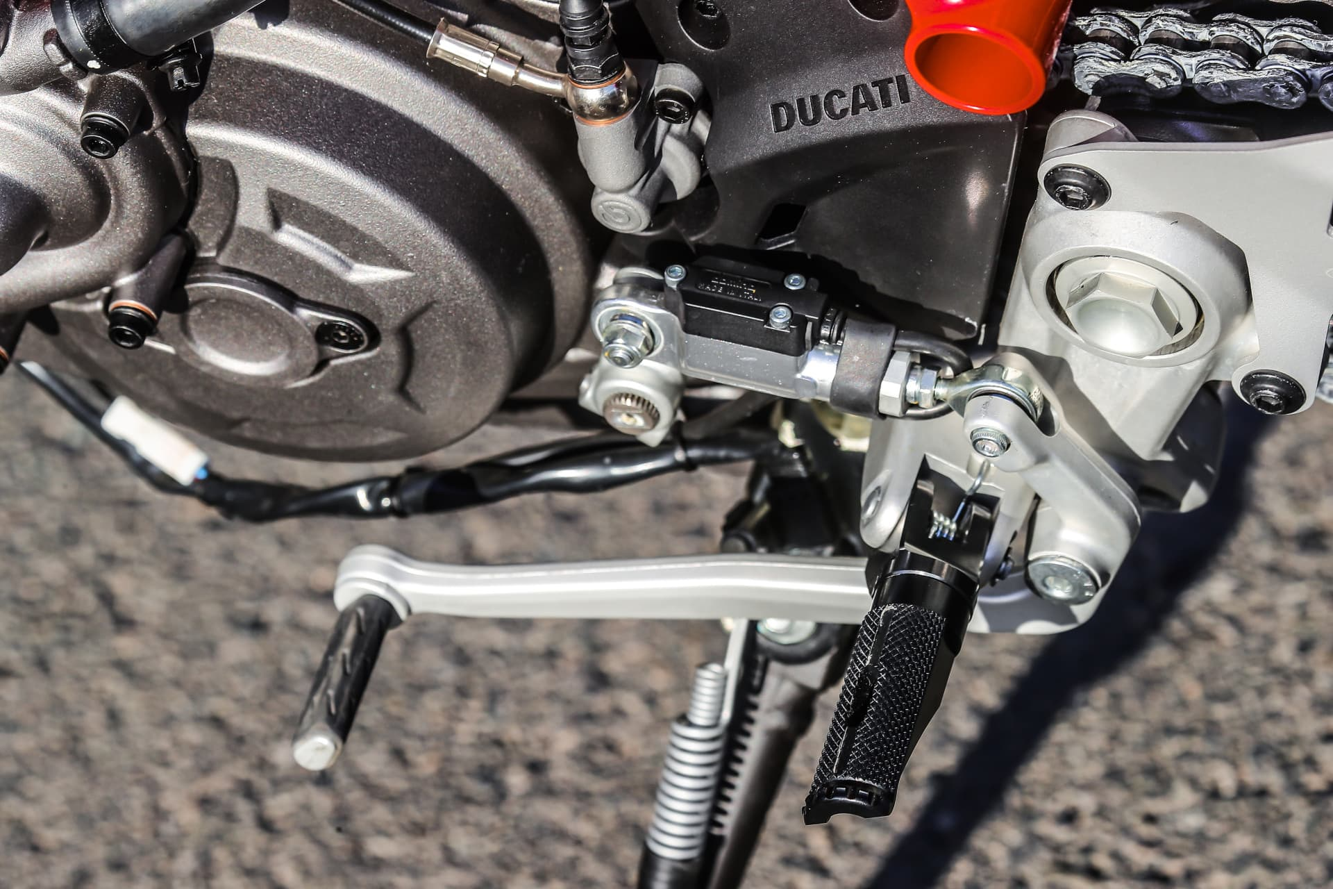 Ducati Hypermotard 950 Sp Static 31 Uc70293 Mid