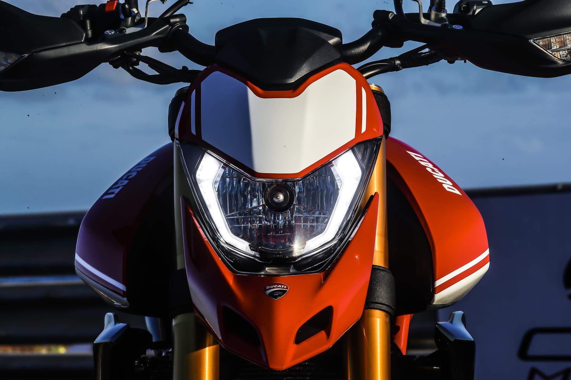 Ducati Hypermotard 950 Sp Static 32 Uc70292 Mid