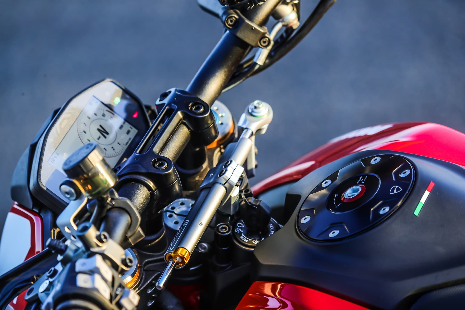 Ducati Hypermotard 950 Sp Static 39 Uc70299 Mid