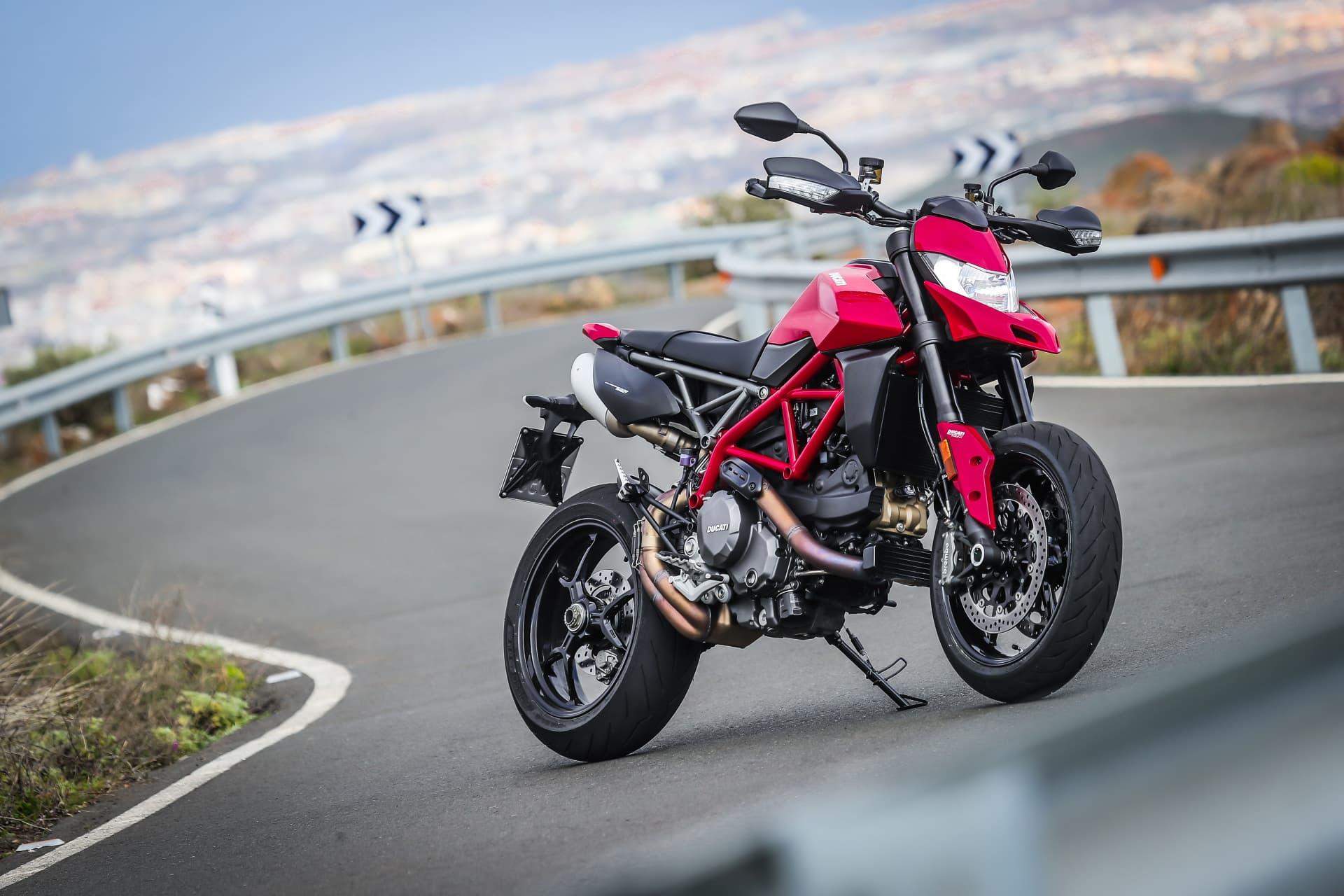 Ducati Hypermotard 950 Static 07 Uc70268 Mid
