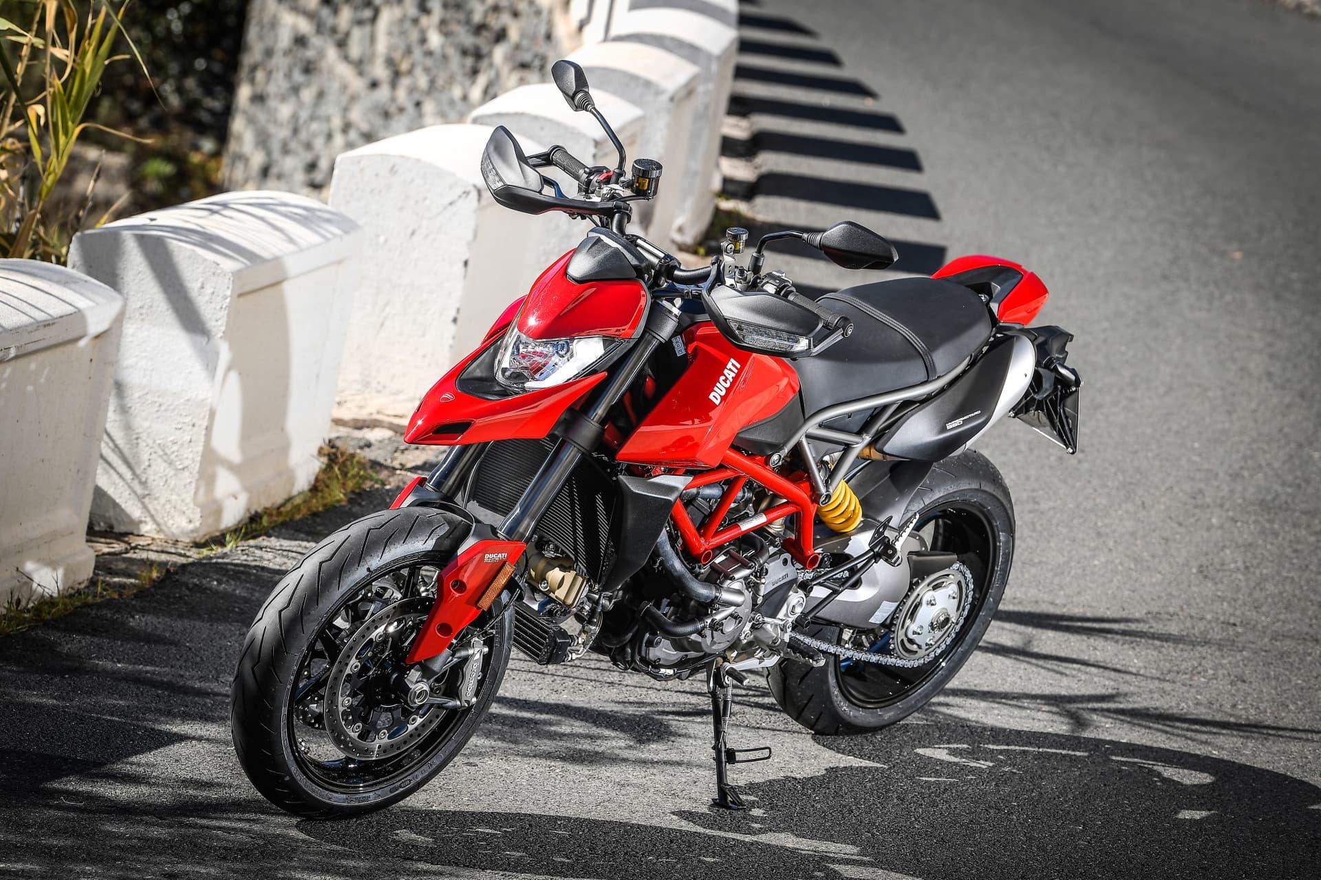 Ducati Hypermotard 950 Static 14 Uc70275 Mid