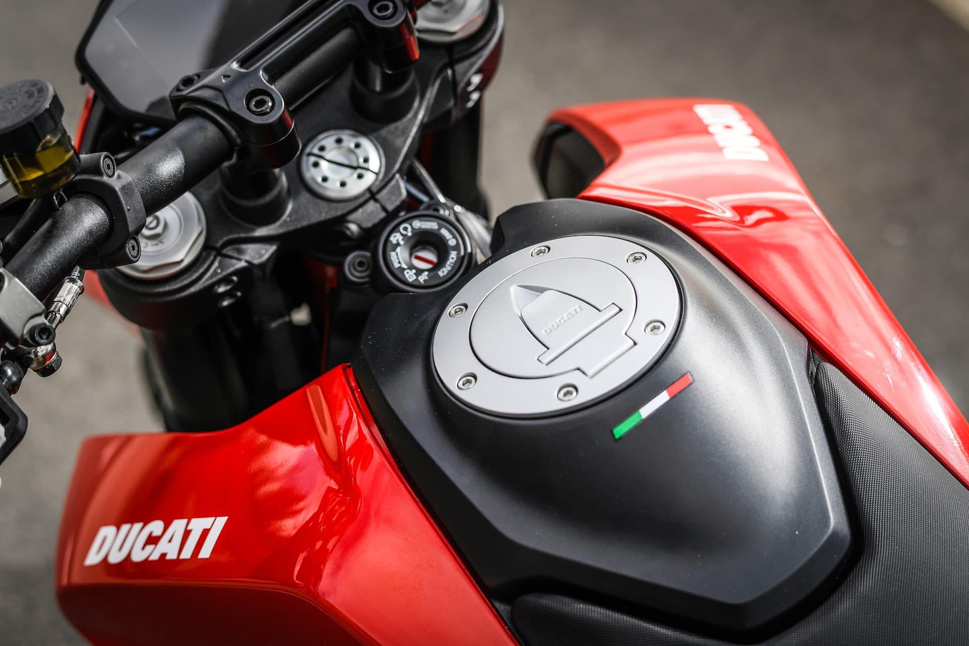 Ducati Hypermotard 950 Static 21 Uc70285 Mid