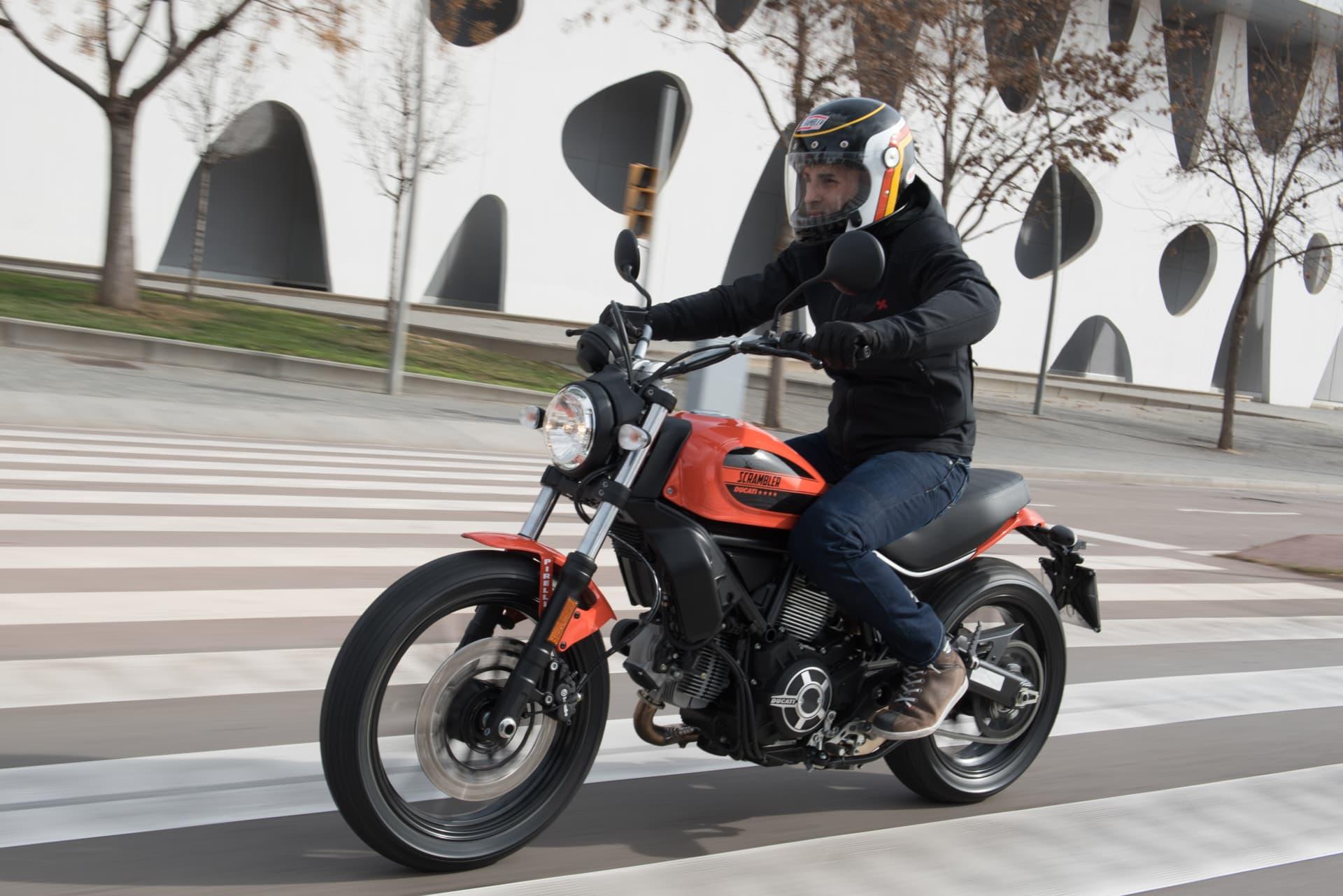 Ducati Scrambler Sixty2 L75 7924 Uc37092 High