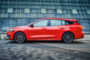 Ford Focus St Sportbreak 2019 02 thumbnail
