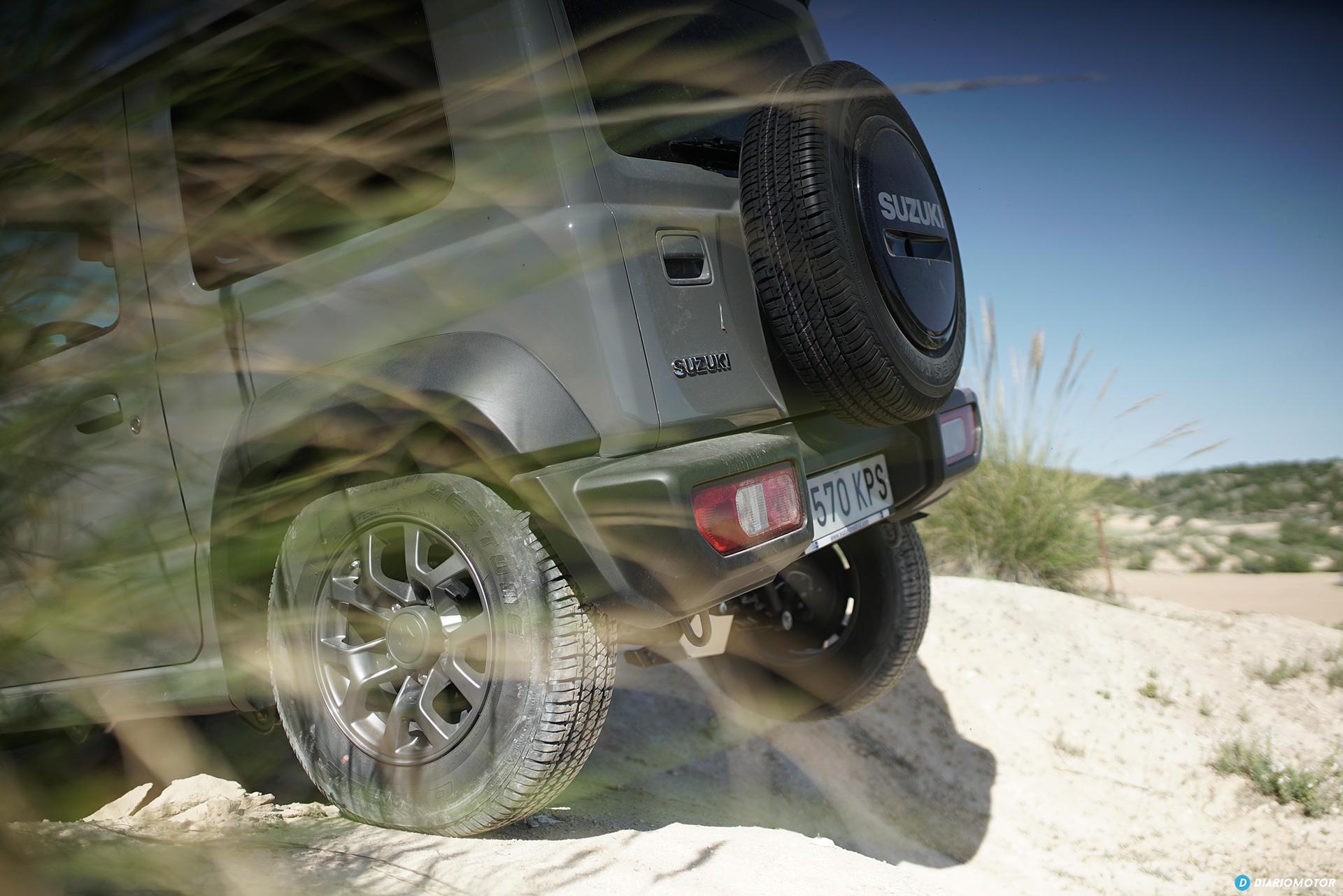Suzuki Jimny Rueda Trasera 00010