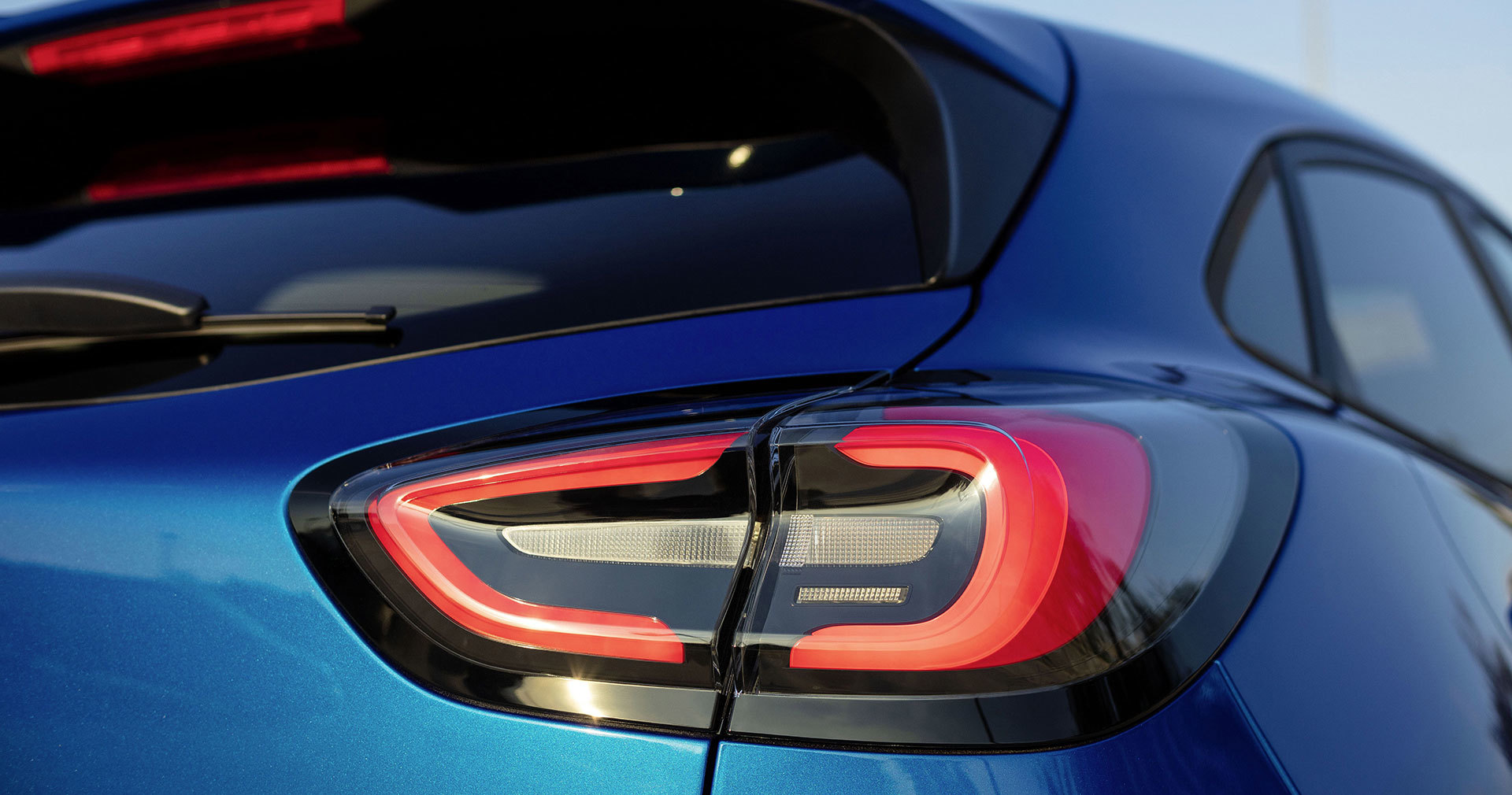 Ford Puma 2019 Detalles Exterior Azul 03