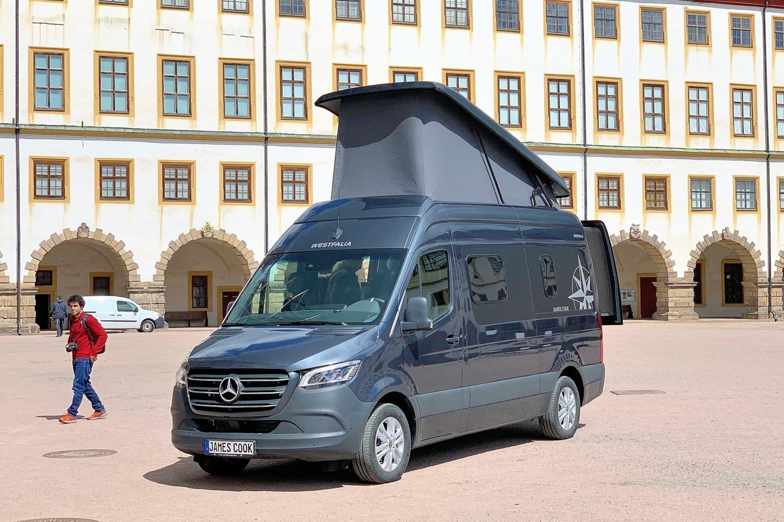 Mercedes Sprinter James Cook 2019 0619 001