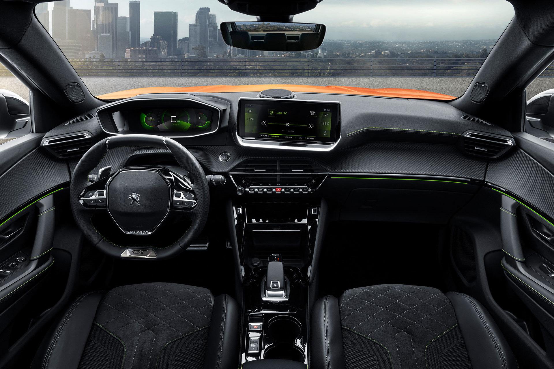 Peugeot 2008 Interior 2019 04