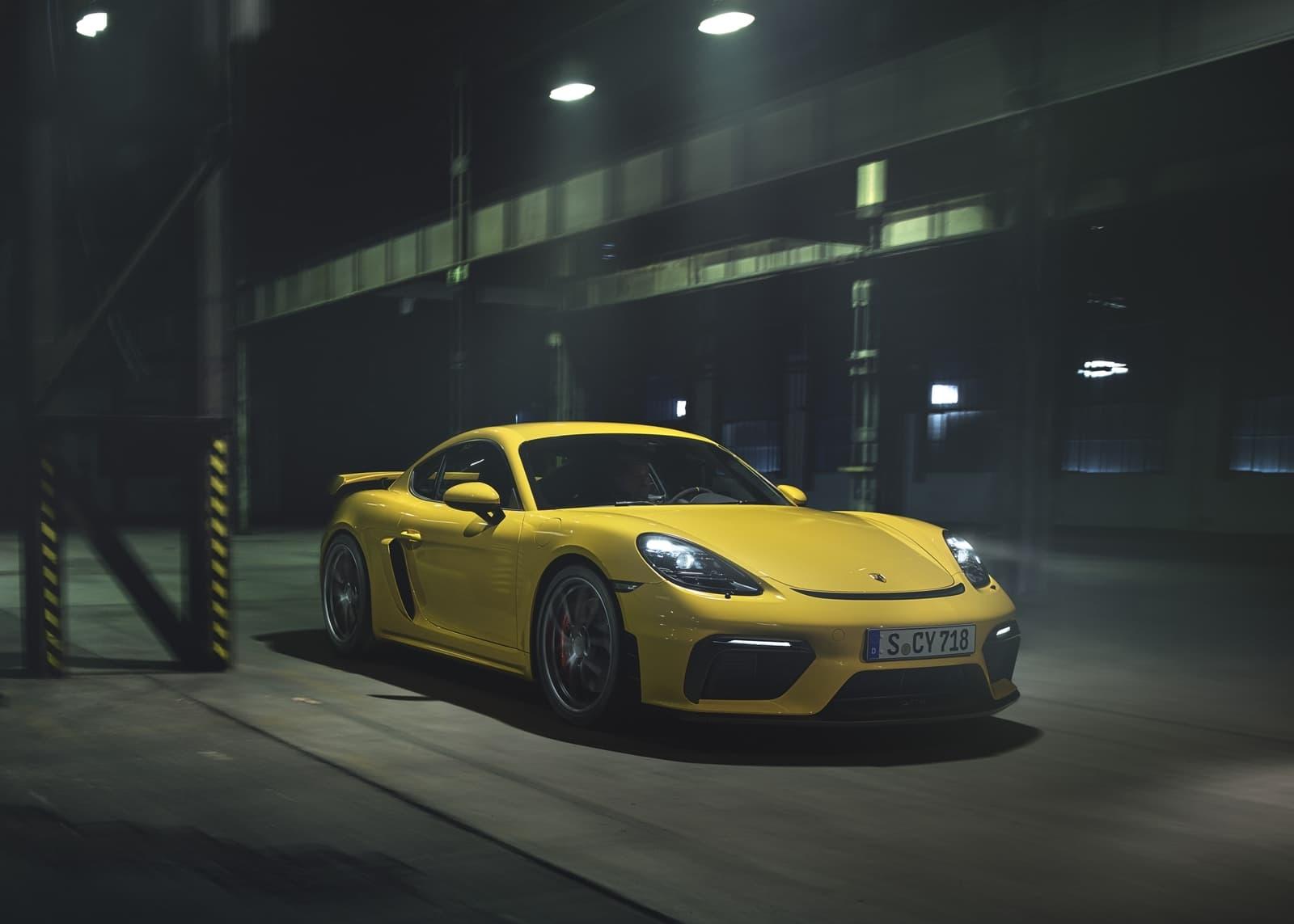 Porsche 718 Cayman Gt4 2019 0619 010