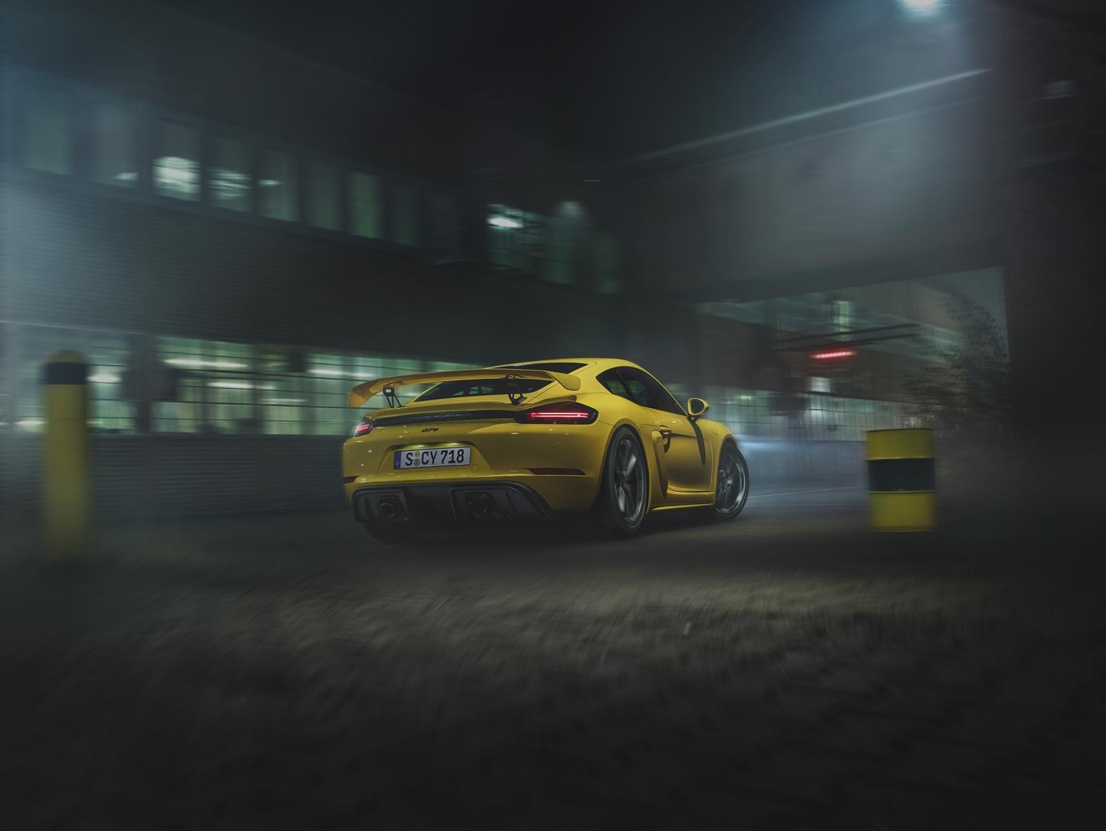 Porsche 718 Cayman Gt4 2019 0619 011