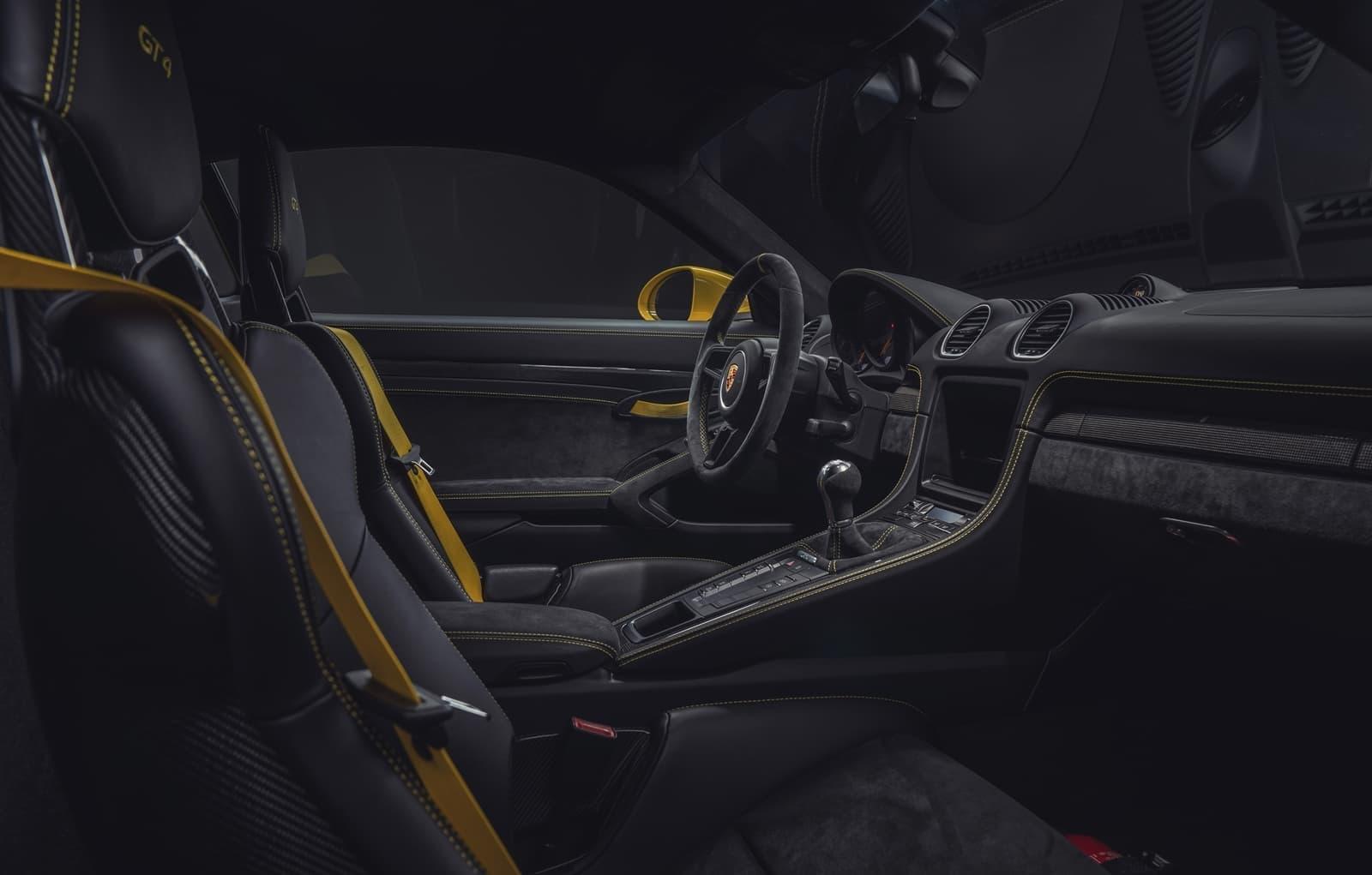 Porsche 718 Cayman Gt4 2019 0619 015