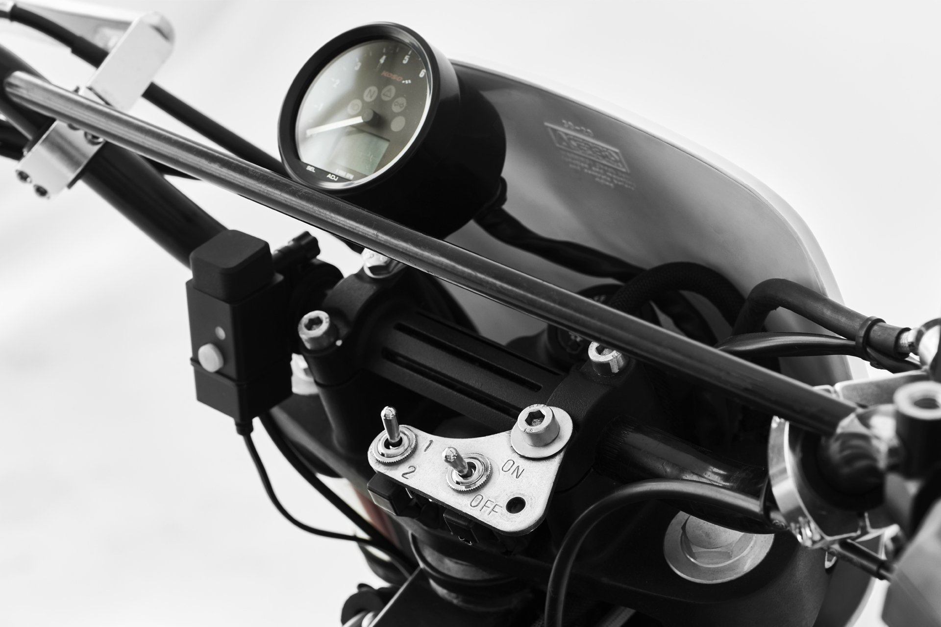 Royal Enfield Fuel Modified Cafe Racer Dm 5