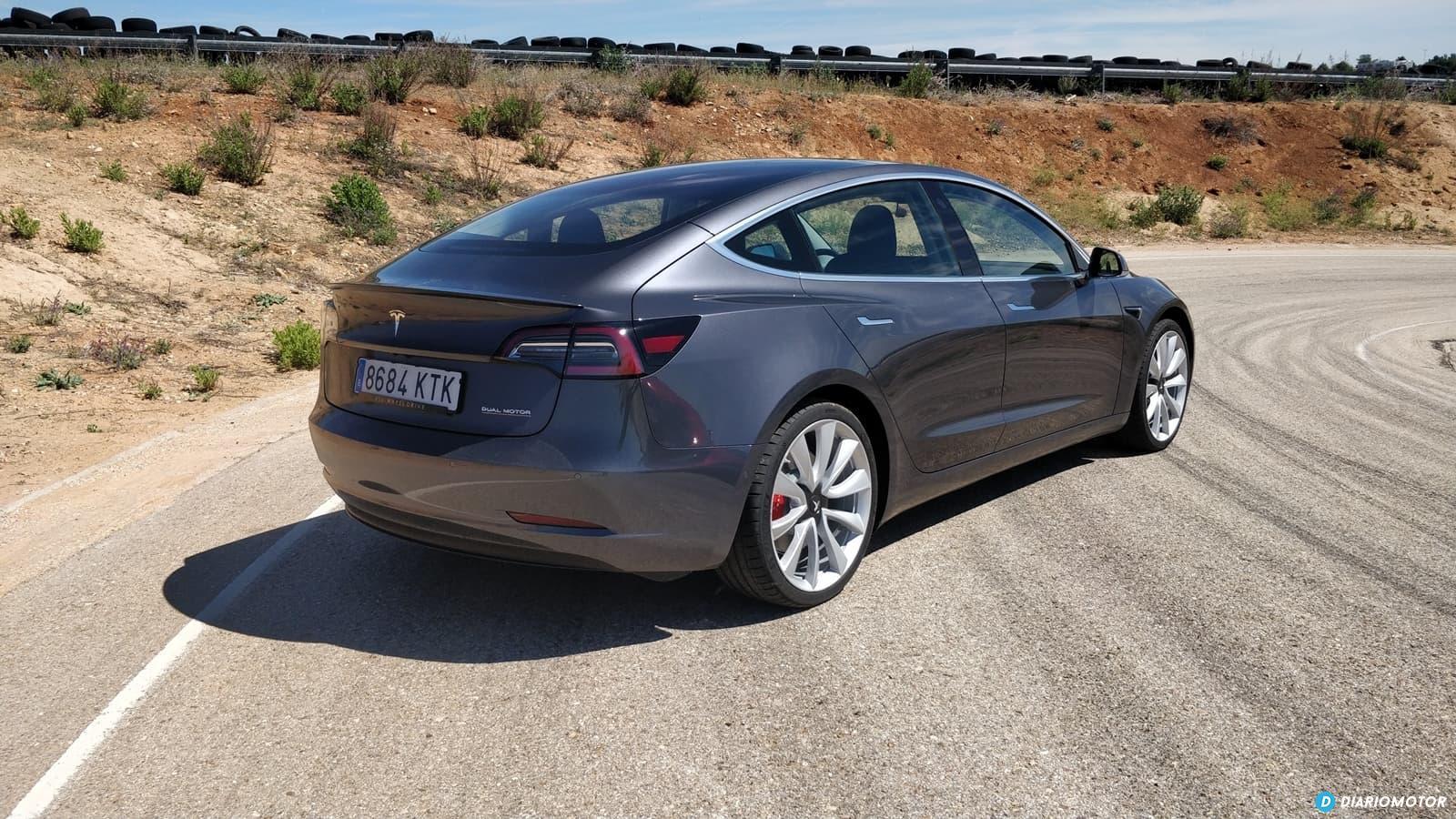 Tesla Model 3 Vs Alfa Romeo Giulia Quadrifoglio 0619 023