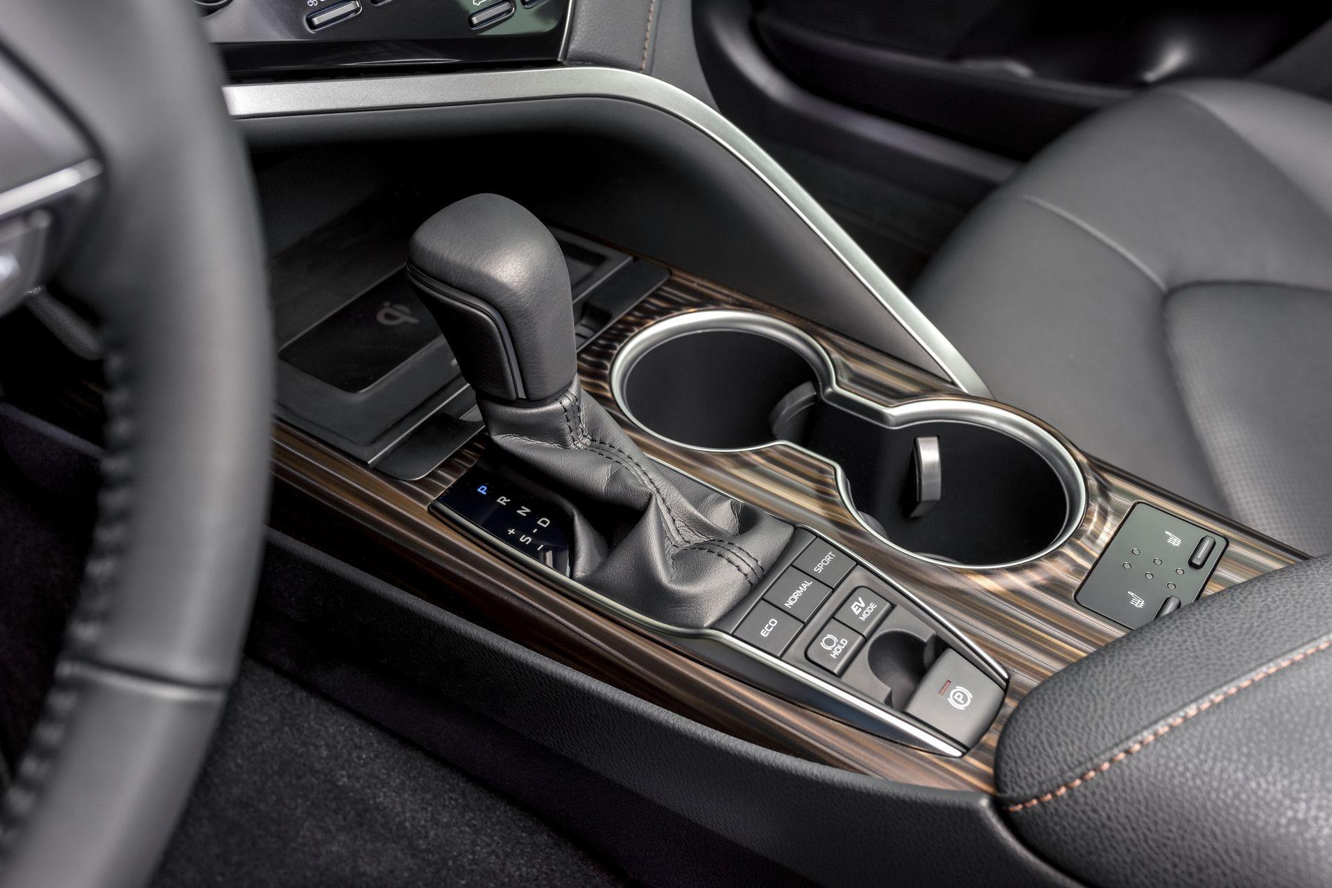 Toyota Camry Hybrid 2019 14