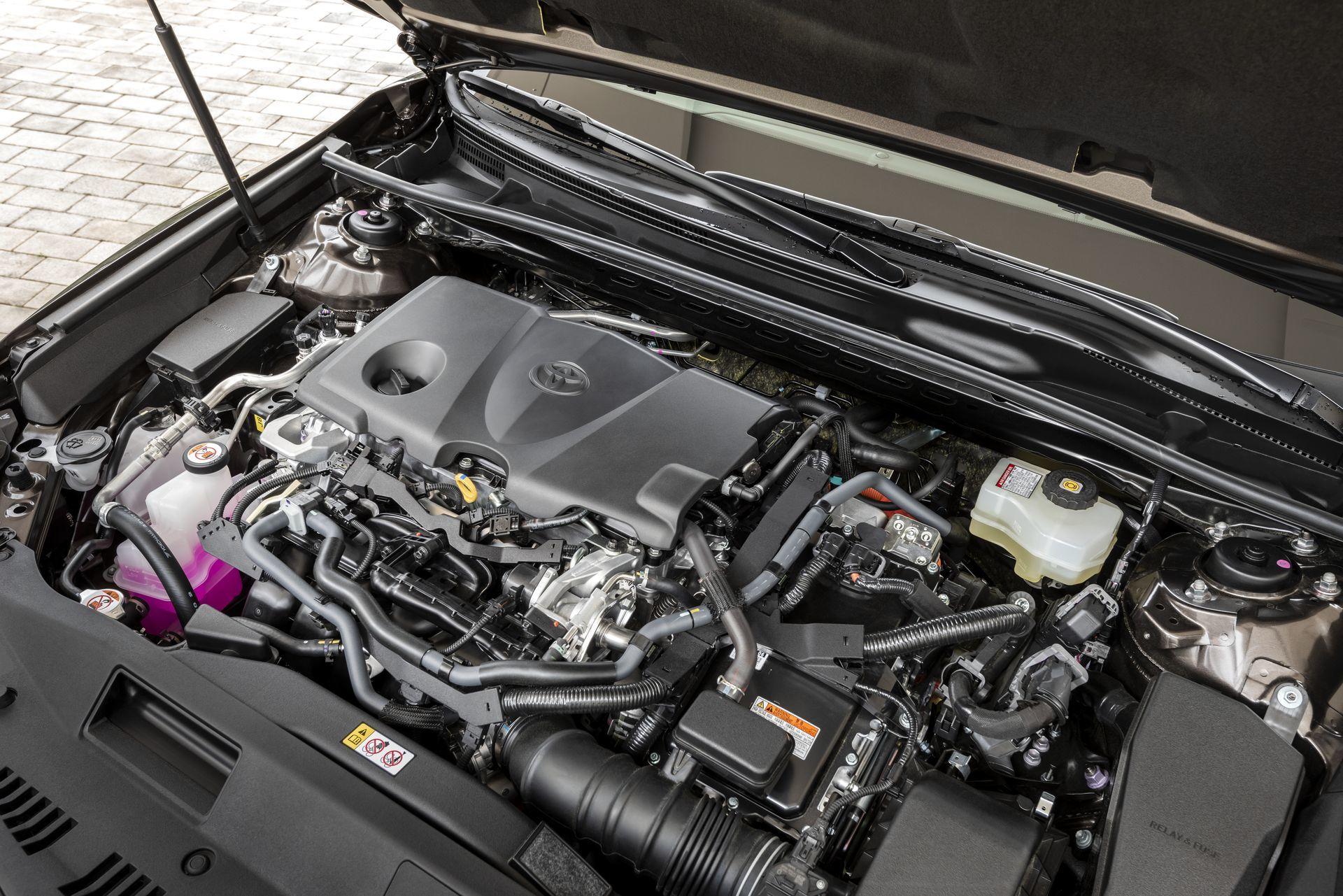 Toyota Camry Hybrid 2019 25