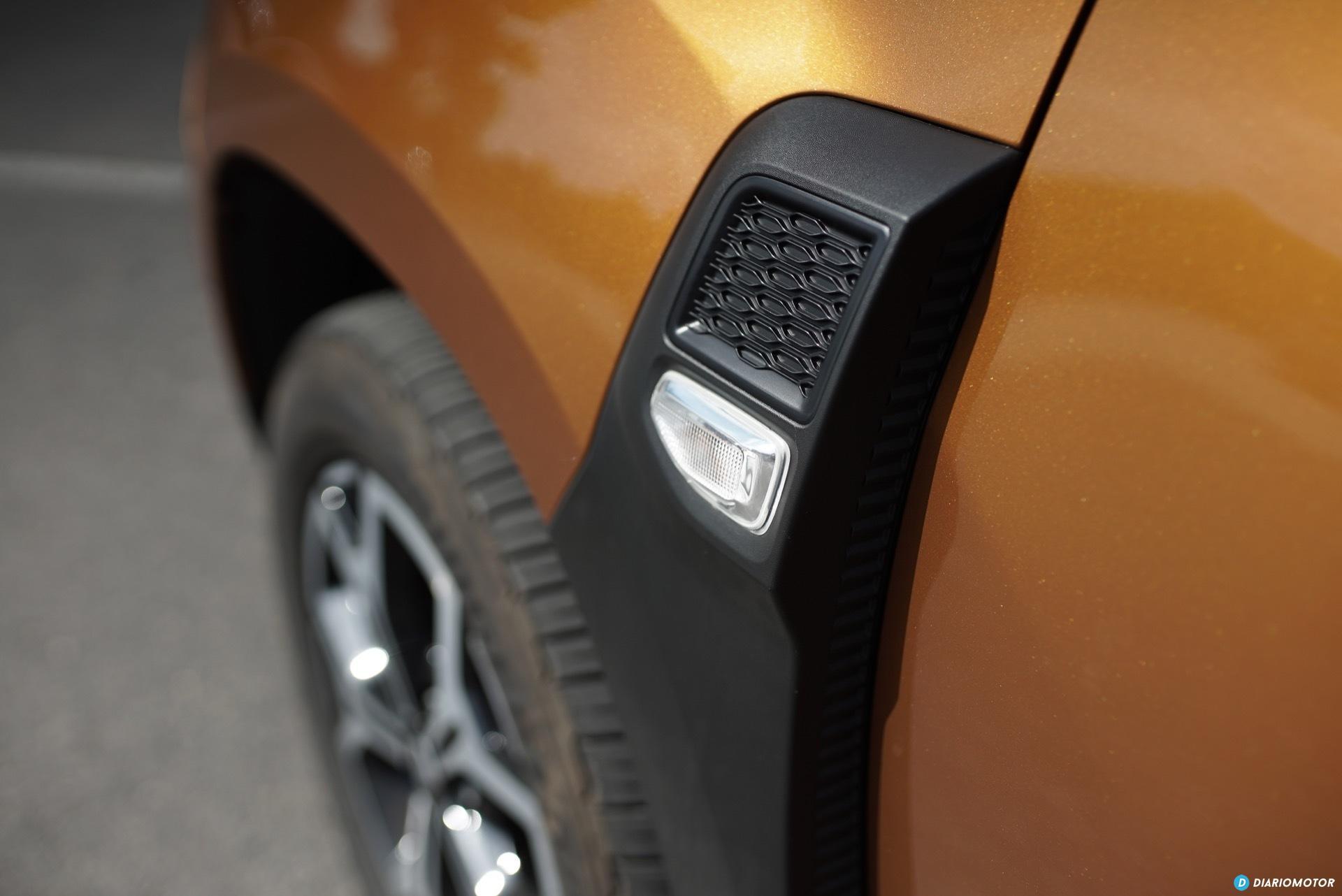 Dacia Duster Pieza Lateral 01