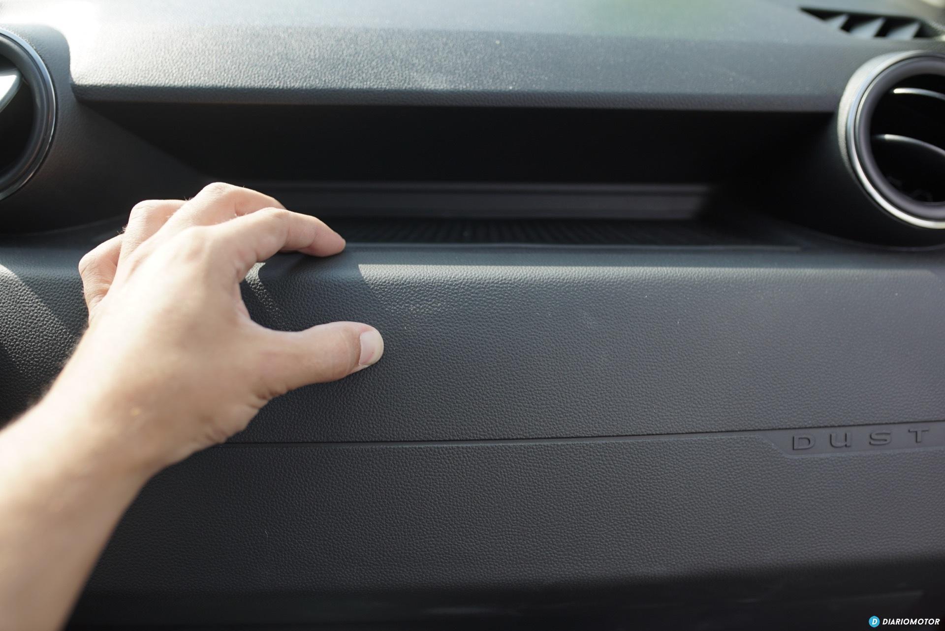 Dacia Duster Plastico Interior 01