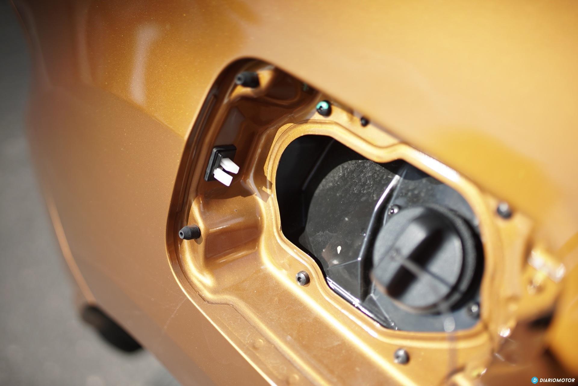 Dacia Duster Tapa Combustible 01