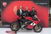 Ducati Panigale V4 Ap11364 Uc77867 High thumbnail