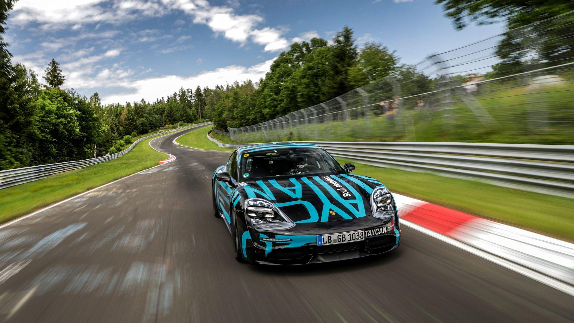 Porsche Taycan Nurburgring 4