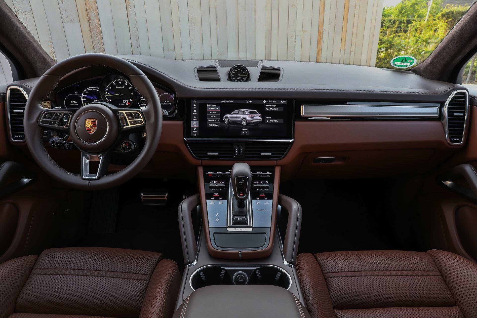Prueba Porsche Cayenne Turbo S E Hybrid 27